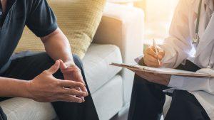 consultation entre patient et psychiatre